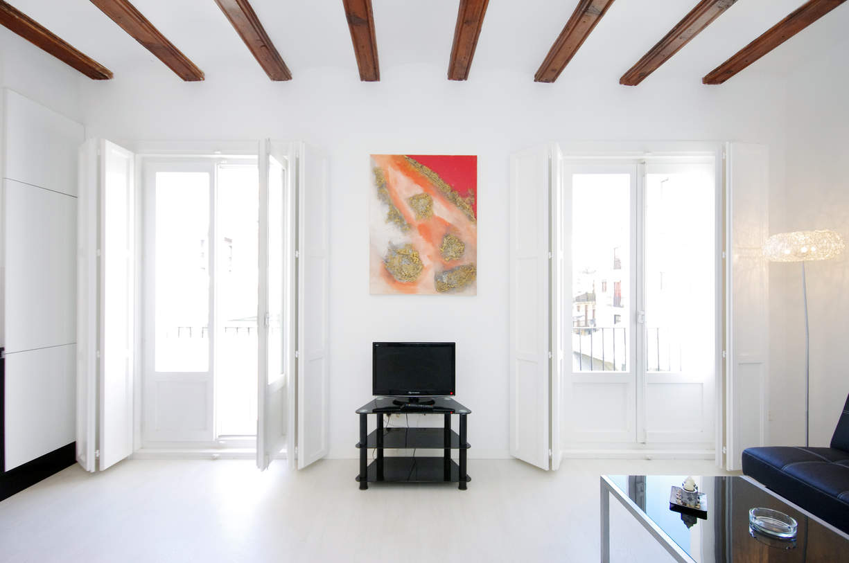 MS 2. 2 Bedroom Apartment with balcony. Old Town. Valencia.