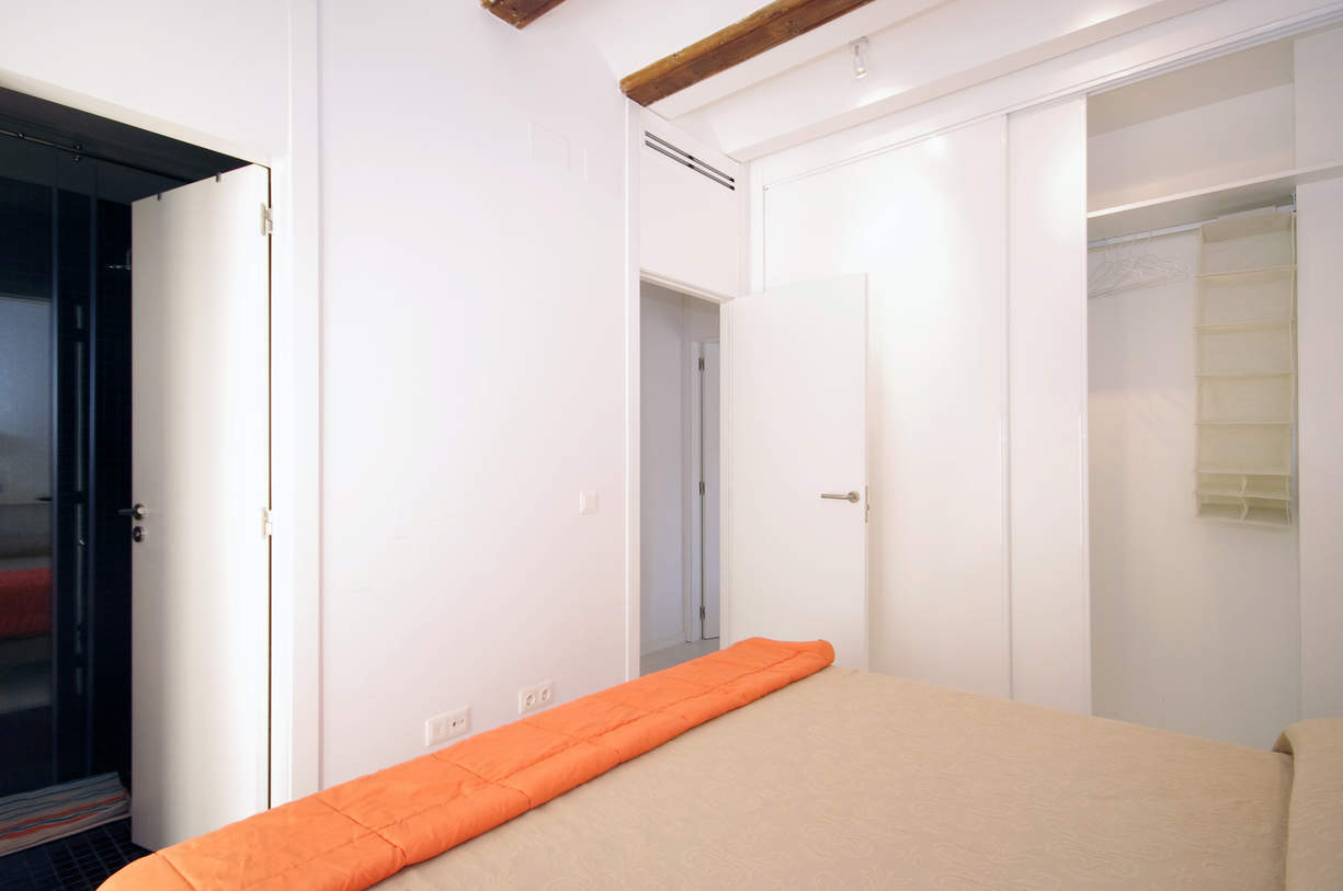 MS 4. 2 Bedroom Apartment with balcony. Old Town. Valencia.