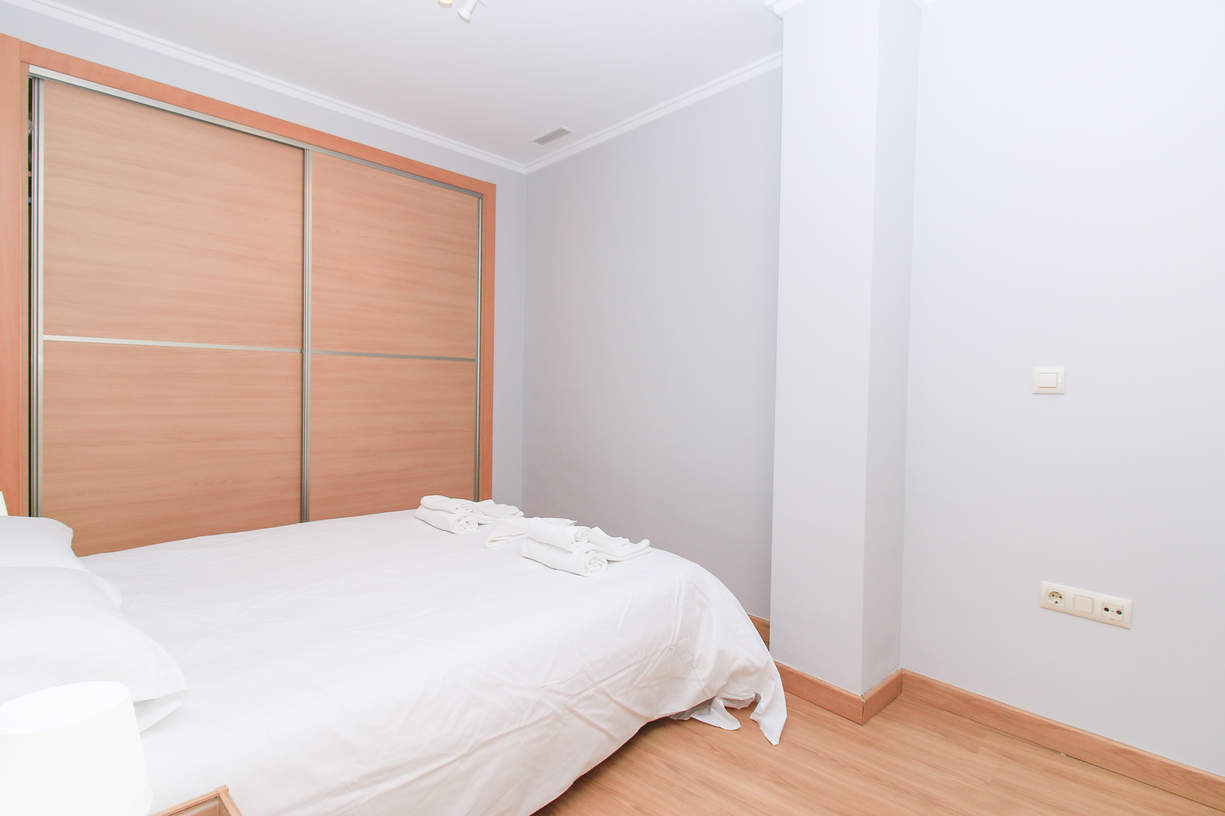 TRA6. 1 Bedroom up to 3 people. El Carmen. Valencia.